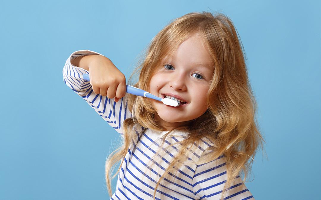 El cuidado de los dientes en niños es muy importante para su adecuado crecimiento y desarrollo